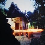 เส้นแสงนำธรรม (Candlelight to lead dharma)