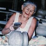 หญิงชรากับภูมิปัญญาไทย (An Old Woman & Wisdom)